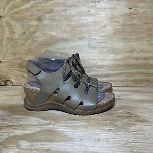 Bionica Wedge Sandals Women's Size 8 M Green Leather Open Toe Shoes