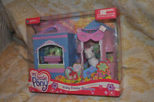 G3 MLP 2005 My Little Pony Frilly Frocks Boutique Playset NIB