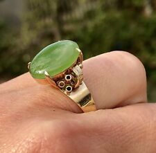 14K Yellow Gold Scroll Oval Spinach Green Jade Cabochon Vintage Retro Ring 1950