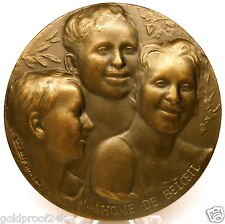 RARE HOME DE BELOEIL / ORPHAN HOME EUROPEAN BRONZE MEDAL / HAPPY CHILDREN FACES