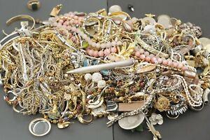 3850 g Modeschmuck Silber Halskette Anhänger Rosenquarz Armreif Münzen etc