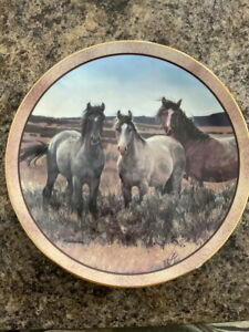 Horse Plate, Prairie Trio-Wild and Free collection Danbury Mint limited Addition