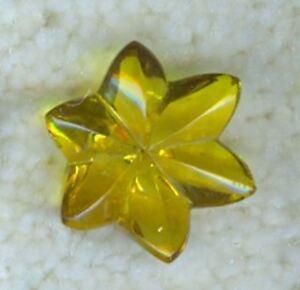 YELLOW GLASS FLOWER BUTTON - G85