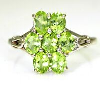 Pretty Peridot Cluster 9ct White Gold ring N ~ 6 3/4