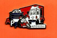 Pin's Pins lapel Pin CAR TRUCK  APF AUTO-ECOLE MOTO CAMION  Signé