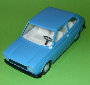 Piko / Plastic Friction Drive Fiat 127 / 1:20 Scale