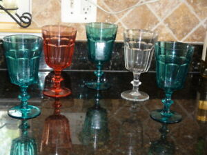 Set of 5 Martha Steward Collection Acrylic Glasses clear round 7,5 in height