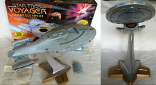 Star Trek Voyager Starship USS Voyager NCC 74656 Stock No. Playmates 1995 Prop