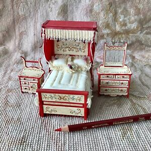 """RoseMarie Torre Signed Hand Painted Bed Dresser Stand Set 1:24 1/2"""" Scale 1282"""