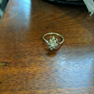14k gold diamond cluster ring preowned