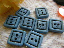 lot 8 boutons bleu gris  sans doute année 80 carré 1,4 cm ref 1669
