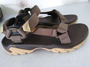 Teva Hurricane XLT mens sandals 8 1/2 S/N light brown hook&loop new