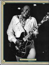Freddie King with his Gibson ES-355 electric guitar 8 x 11 b/w pin-up photo