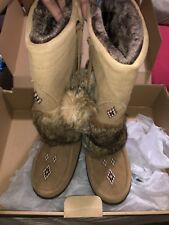 Manitobah Snowy Owl Women's Moccasin Boots Fur & Suede Mukluks Size 10