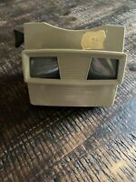VINTAGE 1960'S TAN COLORED VIEWMASTER SAWYERS REEL VIEWER TESTED & WORKS