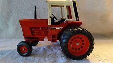1976 Ertl 1:16 scale International Harvester Tractor Model 1586 Dual Wheels