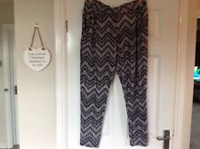 Ladies size 16 elasticated waist stretch trousers