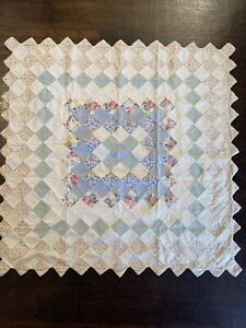 "Vintage PATCHWORK QUILT Wall Hanging Banner Topper FLORAL SIZE: 33""X33"""
