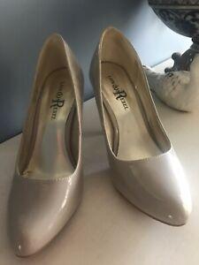 LONDON REBEL Heels Shoes Size 7 NUDE
