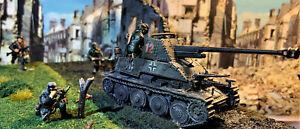 WW2 Diorama 28mm (1/56 ) German Marder Tank Destroyer & 6 Bolt Action Figures