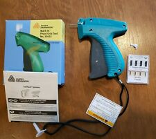 Avery Dennison Standard Clothing Tagging Tag Gun & 5 Extra Needles #10651 New