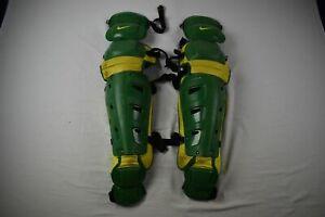 Oregon Ducks Nike Leg Shin Guards Men's Yellow/Green Leg Shin Guards Used 18