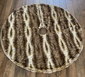 "POTTERY BARN FAUX FUR CARAMEL OMBRE TREE SKIRT, 60"", NEW, christmas, holiday"