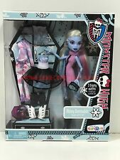 Monster High Doll I Heart Fashion Abbey Bominable Toys R Us New in Box Retired