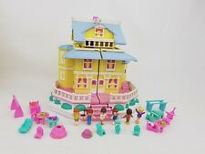 Polly Pocket Club house Pollyville 6 dolls + 16 accessories 1995  excellent Cond