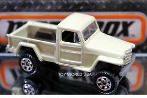 2018 Matchbox #123 MBX Road Trip Jeep Willys 4X4