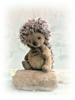 "4"" Faux Fur Hedgehog OOAK Little jointed Artist Bear one off Design"