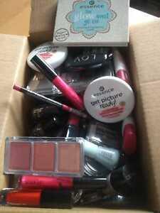 XXL Kosmetik-Paket 100 Teile Essence Catrice LOV Paletten Lidschatten Nagellack