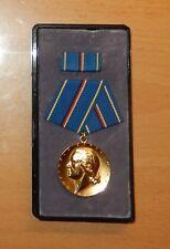 DDR occuparono Medal a pentagono nastro fermaglio in oro 943d
