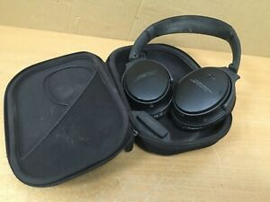 Bose QC35 Bluetooth Noice Cancelling headphones in carry case