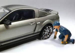 TOW TRUCK DRIVER/OPERATOR SCOTT FIGURE 1:18 MODEL CARS AMERICAN DIORAMA 23793