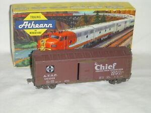 Athearn HO Scale Vintage Santa Fe The Chief 40' Metal Single Door Boxcar #141371