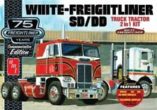 AMT White Freightliner SC or DD Cabover Tractor 1/25 truck model kit new 1046