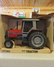 Ertl Massey Ferguson 3070 2Wd Tractor 1/16 Mf-1127Ta-B