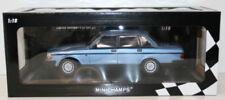 Limousines miniatures bleus 1:18