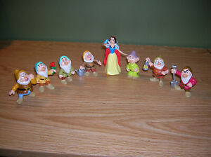 USED Applause Disney Snow White and Seven Dwarfs Sneezy Plastic /& Plush Toy