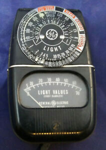 GE SELENIUM EXPOSURE METER MODEL 8DW58Y4 Metal Body w/ Case for film plate light