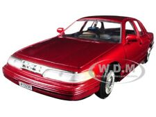 1998 FORD CROWN VICTORIA RED 1/24 DIECAST MODEL CAR BY MOTORMAX 76102