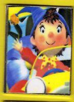 Pin's lapel pin pins BD Photo OUI OUI en voiture