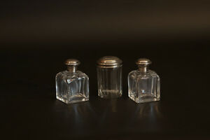 Ensemble de flacons à parfum, cristal et argent massif / Set of 3 perfume pots