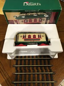 NEW BRIGHT Holiday Express Train REINDEER STABLE Car Dillards Green Sign  *RARE*