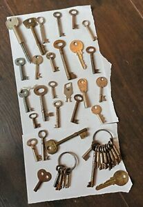 Vintage Job Lot Of Old Keys