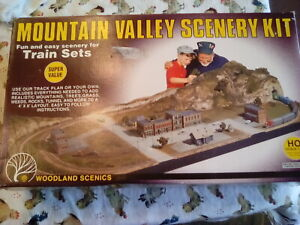 Woodland Scenics Mountain Valley Gaming/Model Railroad Scenery Kit WOOS928