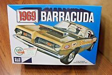 MPC 1969 PLYMOUTH BARRACUDA 1/25 SCALE MODEL KIT