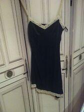 Robe nuisette asymétrique H&m Taille 36 Noir contour dentelles