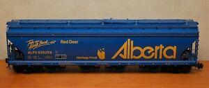 USA Trains  55' 4 Bay Covered Hopper Car